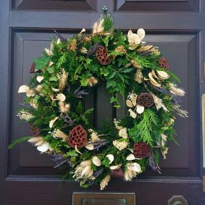 Eve Christmas Wreath
