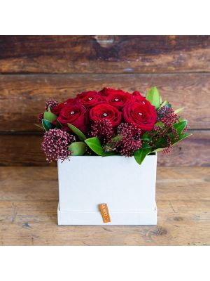 Red rose hatbox with diamond pins