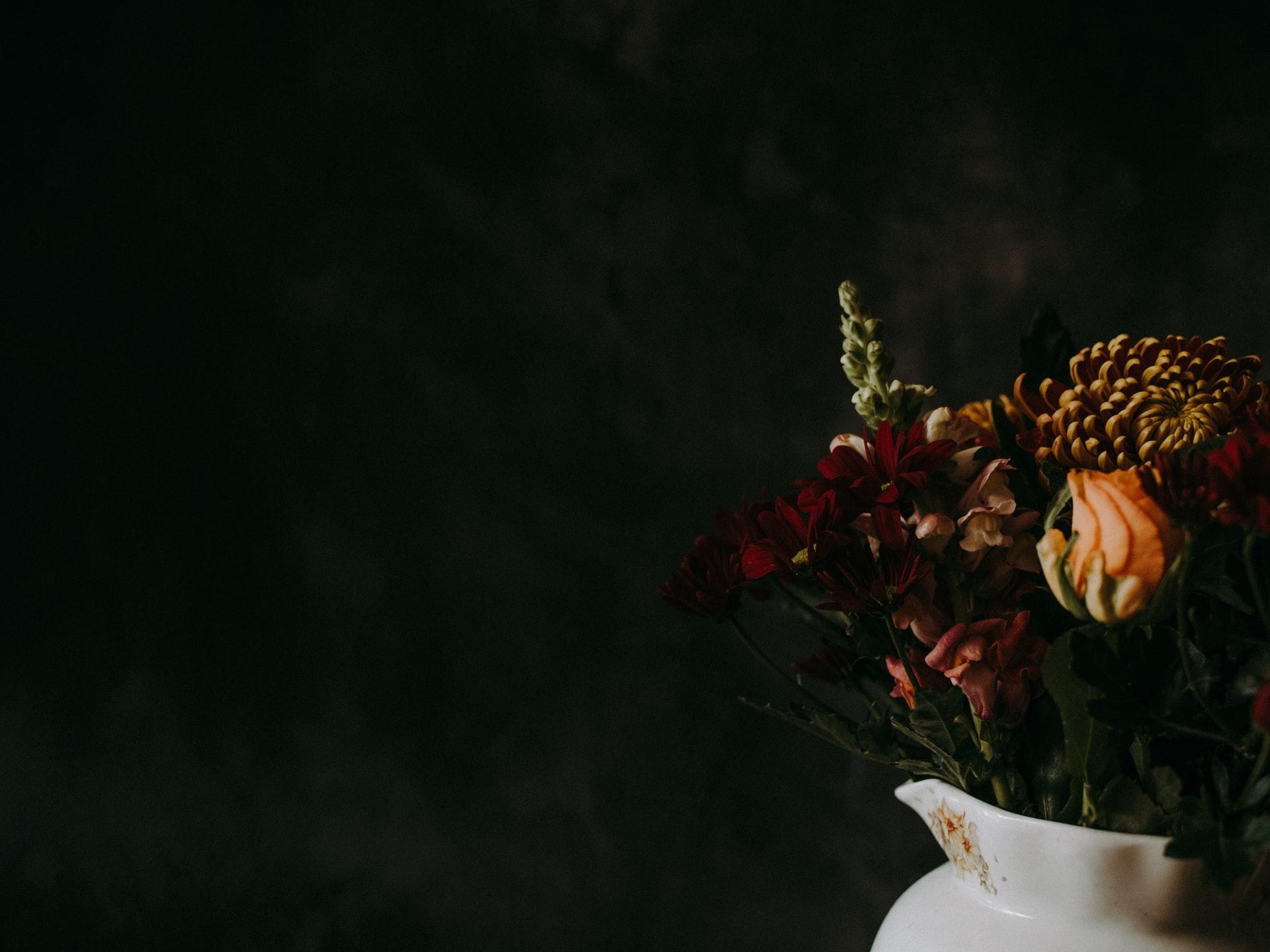 Flowers in white vassel